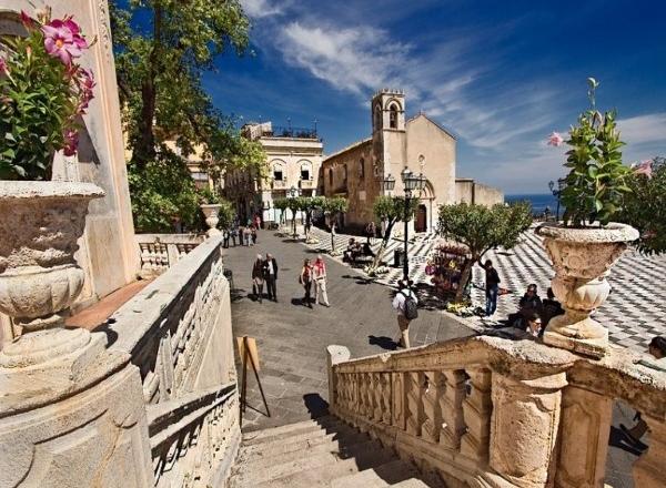 churches taormina