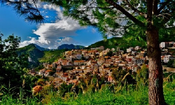 surroundings of taormina